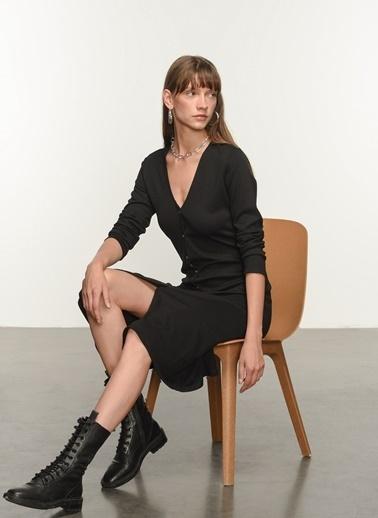 NGSTYLE Ngkss21El0006 Düğme Detaylı Örme Elbise Siyah